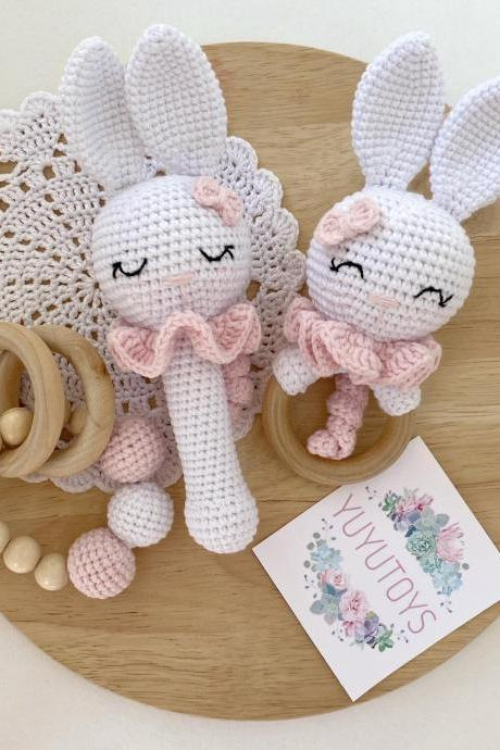 Bunny rattle and teether wooden baby toy Expecting mom to be gift Pregnancy gift Newborn girl baby gift Photo prop Montessori toddler toy