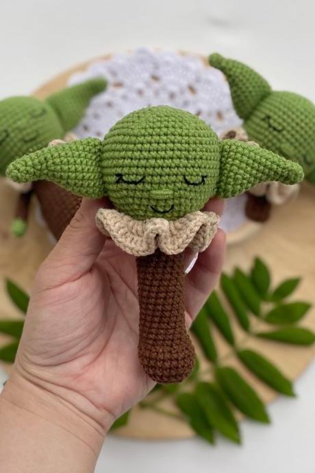 PATTERN Crochet baby alien rattle Star wars green baby alien Mandalorian crochet pattern Amigurumi star wars Alien plush Expecting mom gift