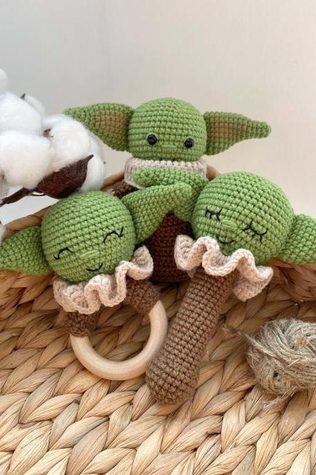 SET OF 2 Star wars green baby alien jedi Expecting mom gift Star wars baby shower First birthday gift New baby toy rattle and teether